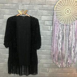 velvet thorn // black geo print burnout kimono m
